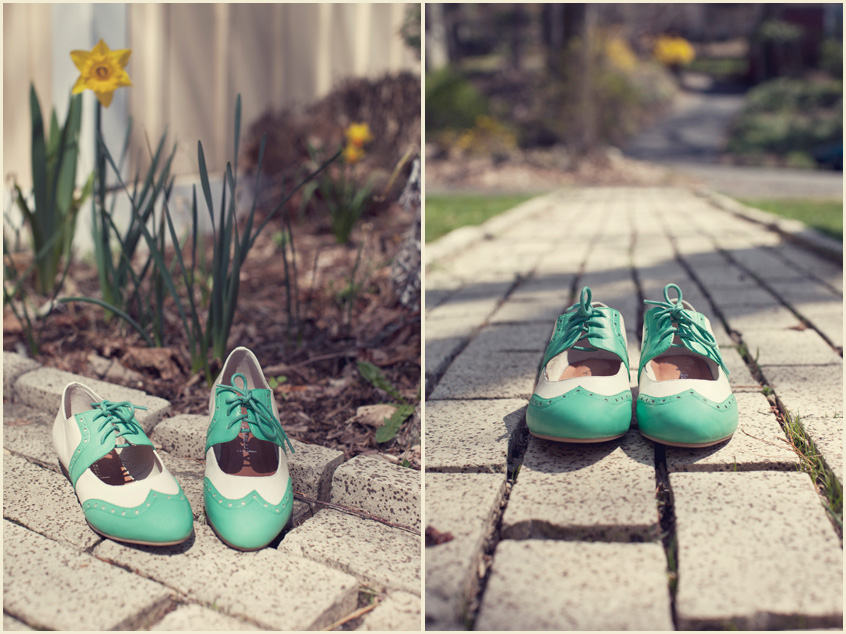 I haven't bought a new pair of shoes in a while so I decided to go out of my ballet-flat comfort zone and get these retro-hip beauties from  ModCloth . They are the perfect spring shoes with their cute minty color. The soft leather makes them insanely comfortable. Before they arrived I was expecting it would take a few wears to break them in, but so far there are no signs of blisters. I love these shoes! Thank you ModCloth for always having what I want to wear.
