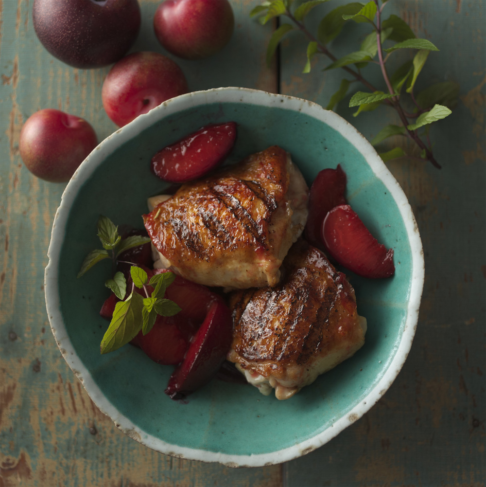 © Dennis Becker, recipe + styling by Lisa Golden Schroeder (Grilled Chicken with Spiced Plum Compote)