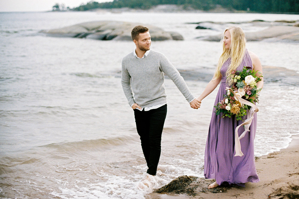 Sari & Mikko - Beach Engagement Couple Shoot in Hanko kihlakuvaus parikuvaus - Susanna Nordvall - Hey Look (27).jpg