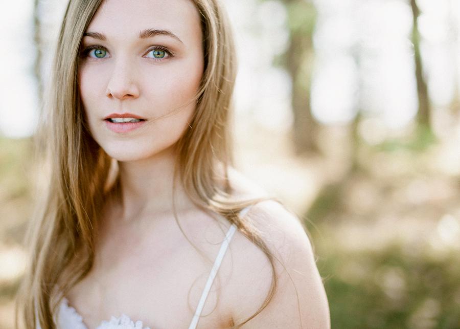 Romantic Bridal Boudoir Morsian Huomenlahja (20).jpg