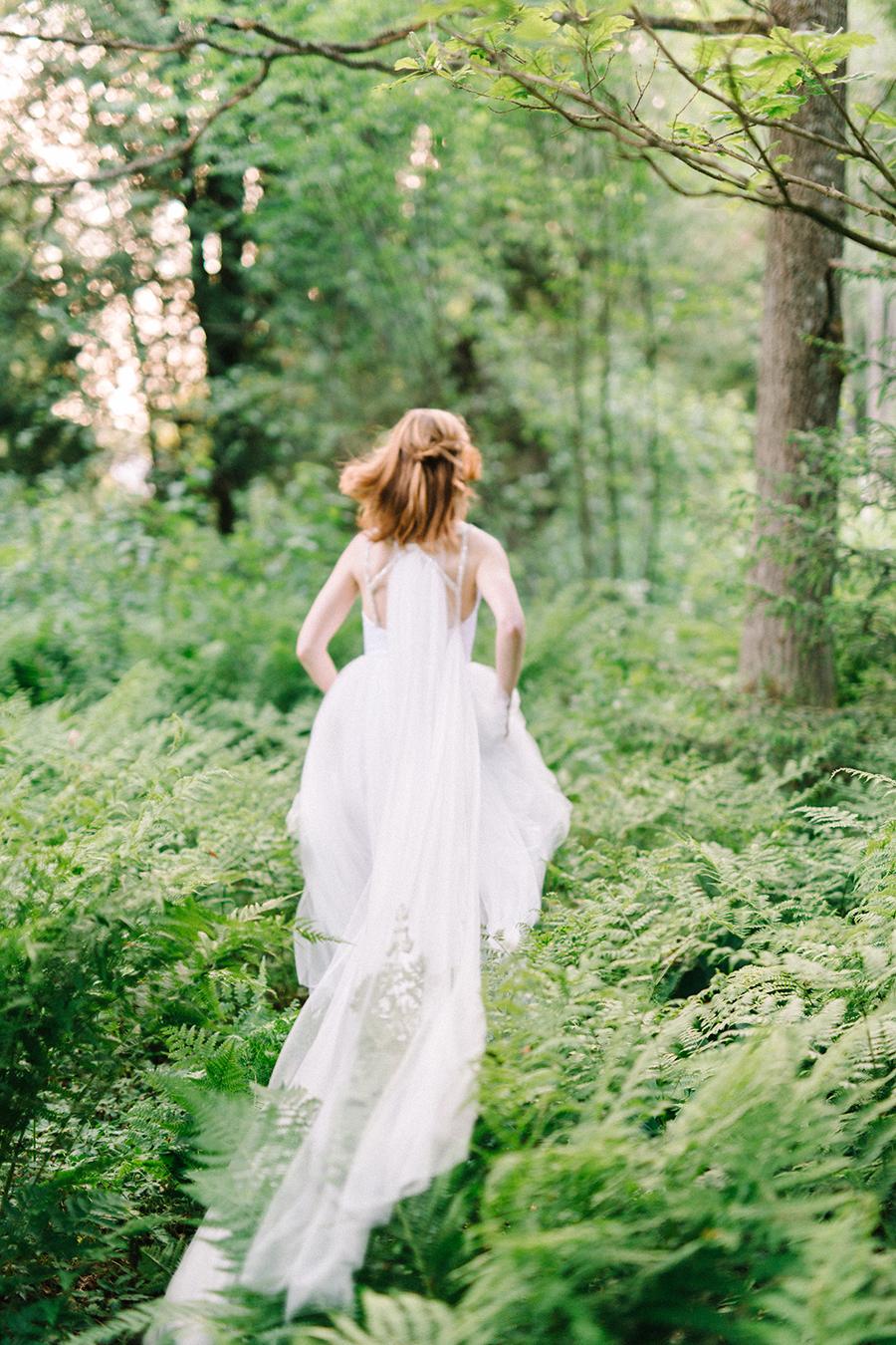 Woodsy Bridal Boudoir Morsian Huomenlahjakuvaus (6).jpg