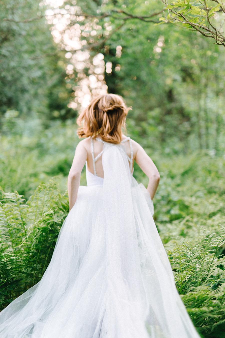 Woodsy Bridal Boudoir Morsian Huomenlahjakuvaus (5).jpg