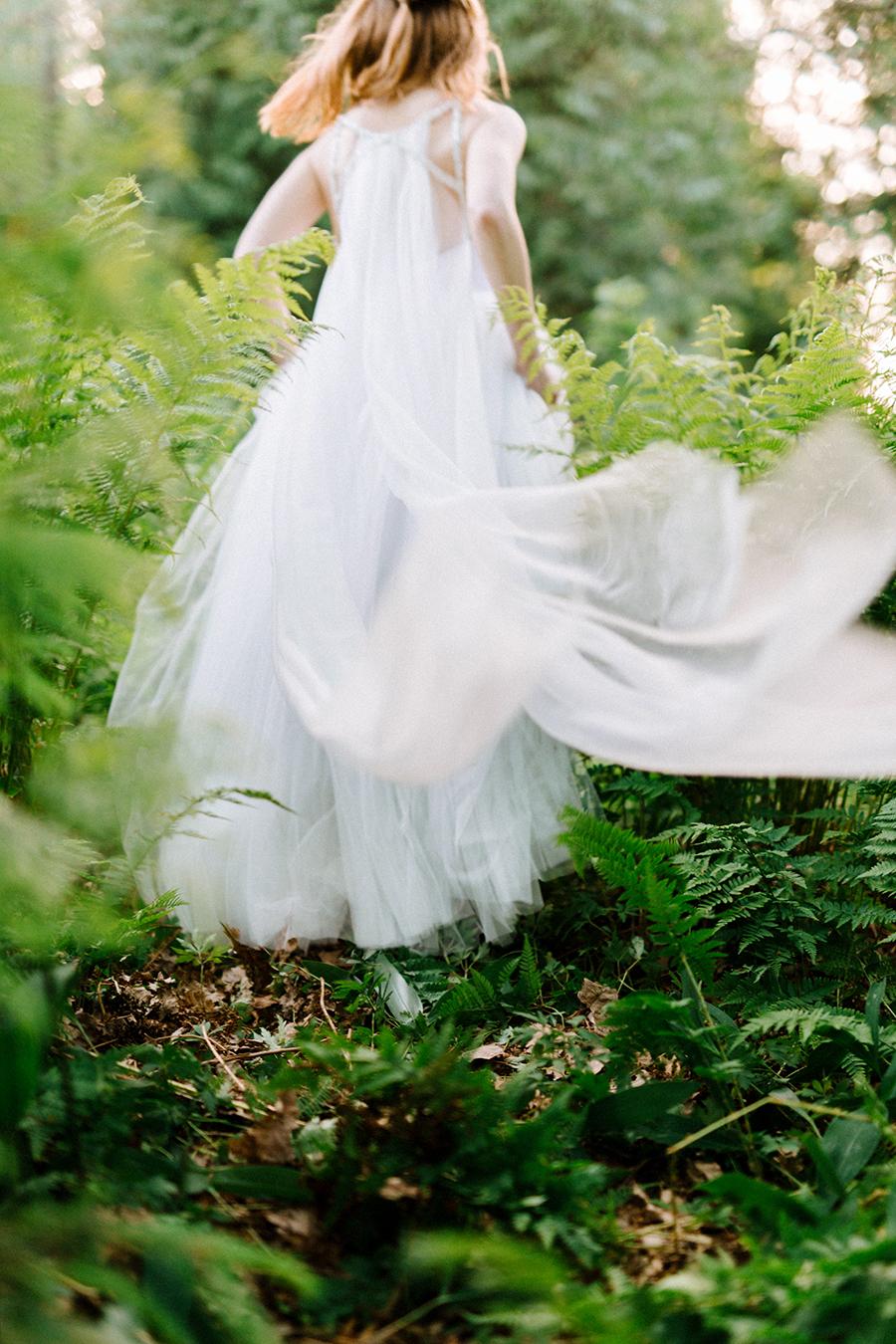Woodsy Bridal Boudoir Morsian Huomenlahjakuvaus (7).jpg
