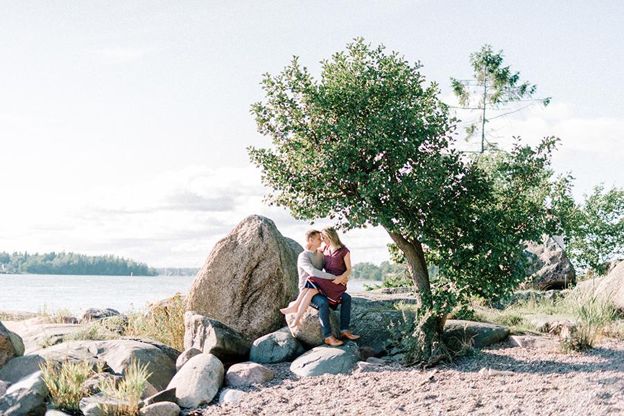 Heidi & Antti, engagement shoot in Lauttasaari, Helsinki, kihlakuvaus, parikuvaus (18).jpg