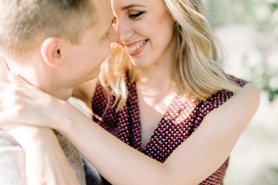 Heidi & Antti, engagement shoot in Lauttasaari, Helsinki, kihlakuvaus, parikuvaus (21).jpg