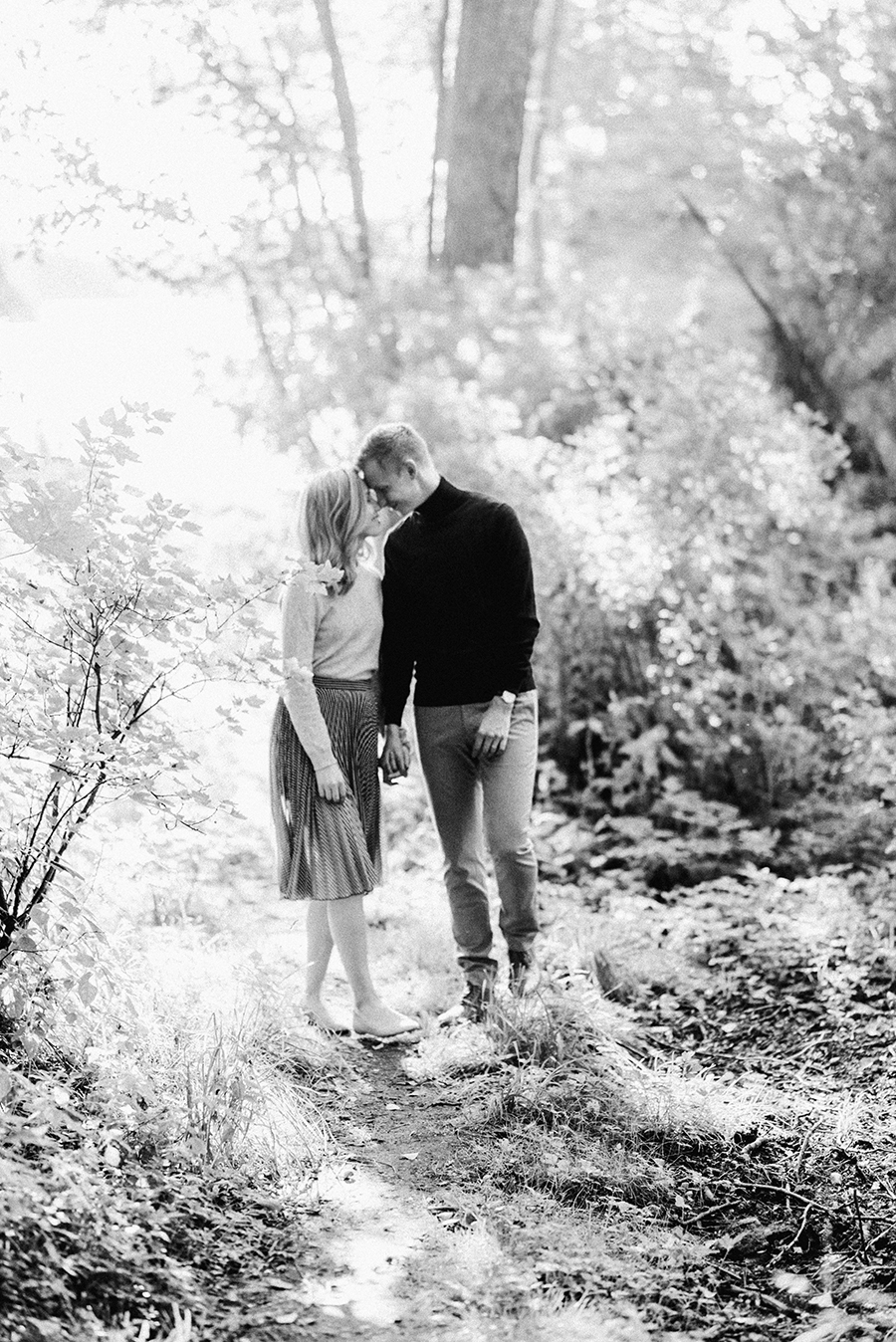 Heidi & Antti, engagement shoot in Lauttasaari, Helsinki, kihlakuvaus, parikuvaus (25).jpg