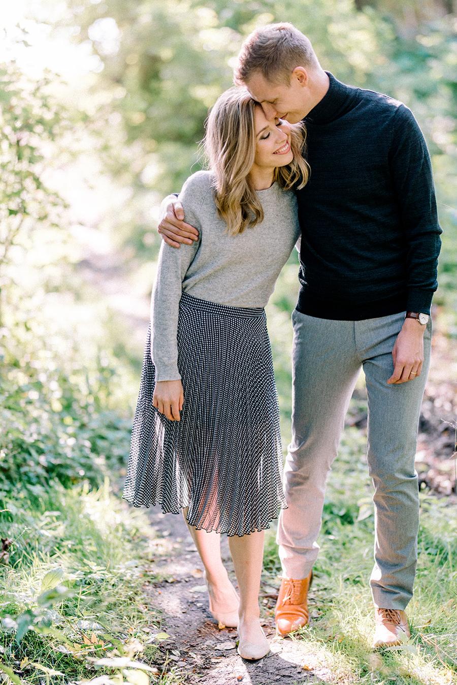 Heidi & Antti, engagement shoot in Lauttasaari, Helsinki, kihlakuvaus, parikuvaus (26).jpg