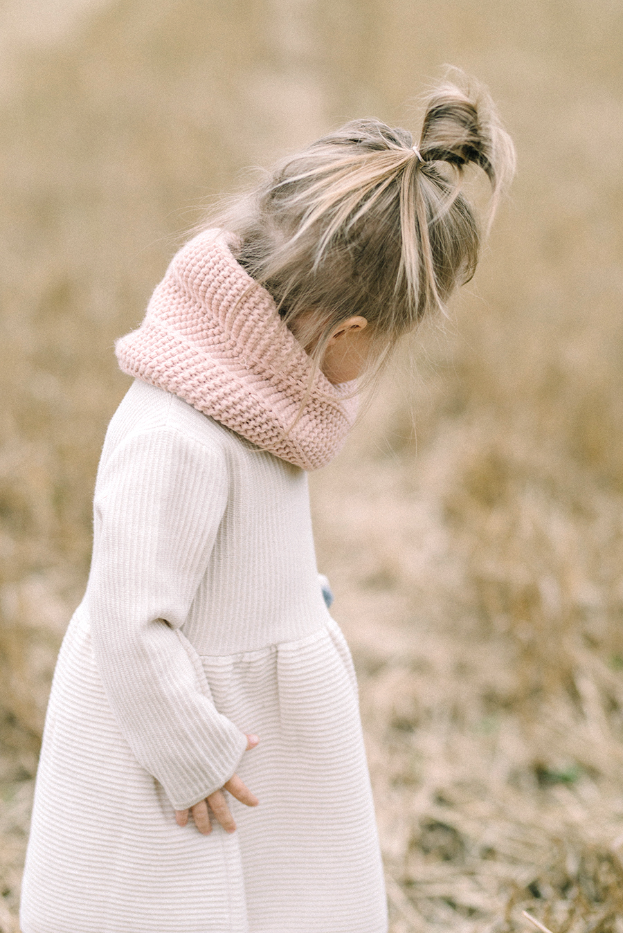 autumnal maternity shoot, odotusajankuvaus, perhekuvaus (7).jpg