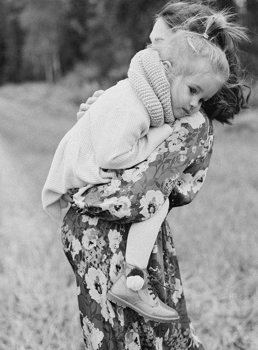autumnal maternity shoot, odotusajankuvaus, perhekuvaus (11).jpg