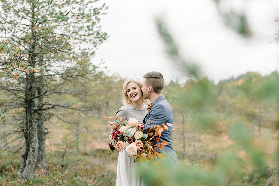 Jenni & Riku, Vow Renewal at Torronsuo National Park, vihkivaojen uusiminen, Nord & Mae, Susanna Nordvall, Hääkuvaus, Parikuvaus, Destination Wedding Photographer Finland
