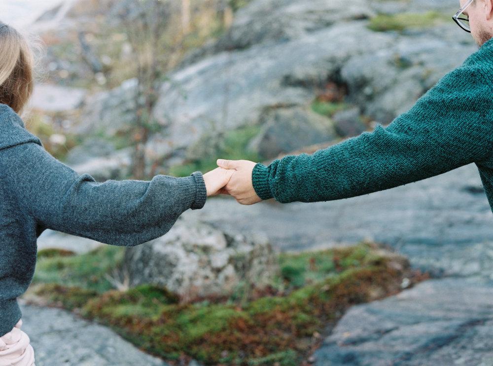 Yllätyskosinta Helsinki, Parikuvaus, Kihlakuvas, Miljöökuvaus, Helsinki, Surprise Proposal in Finland, Coupleshoot, Engagement Shoot Helsinki
