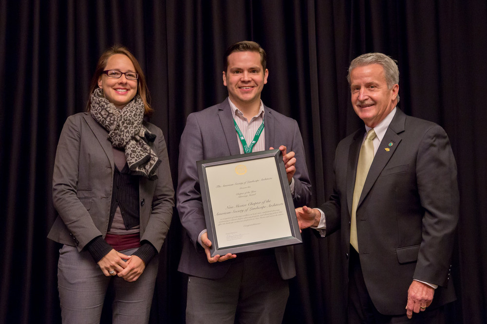 Jitka Dekojova and Victor Trujillo accept Advocacy Chapter of the Year Award from ASLA National President Richard Zweifel