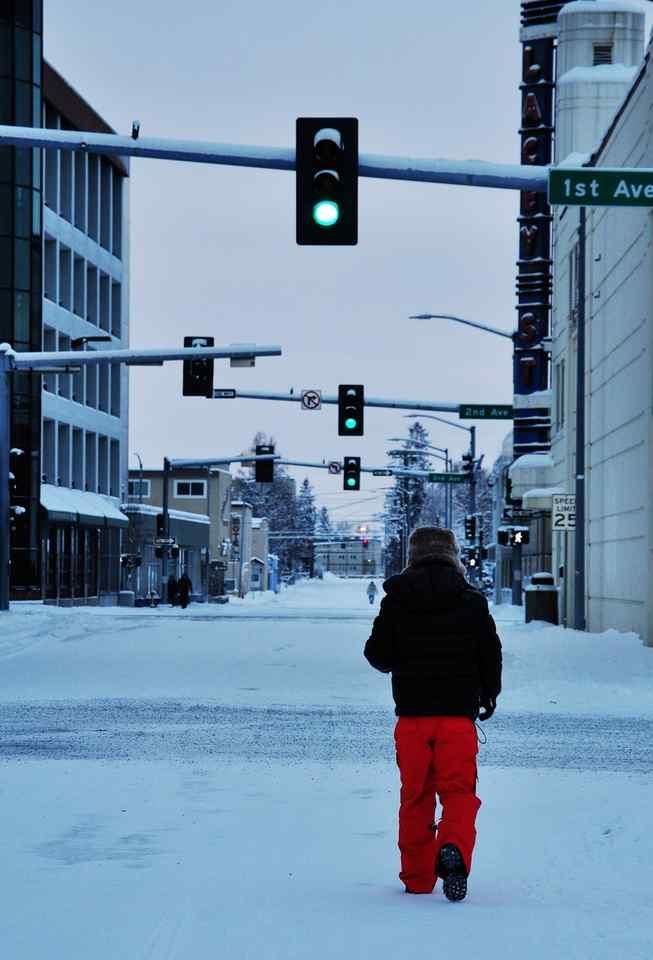 Fairbanks的早晨11点天刚刚亮,这个城市不自觉就会让你觉得特别的忧郁……