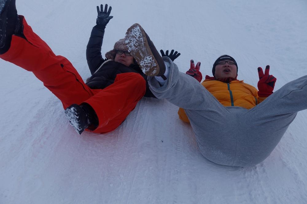 还可以在雪地上摩擦摩擦!