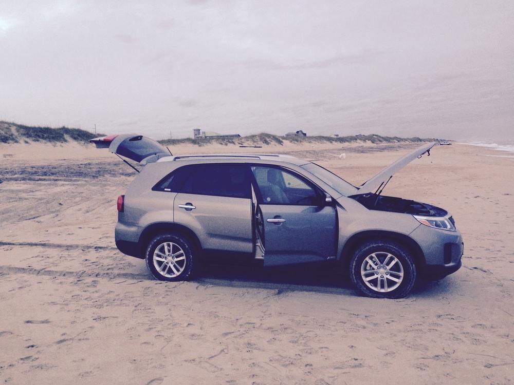 破车,在沙子上开了一会居然冒烟儿了……(点击放大)