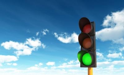 green traffic light.jpg