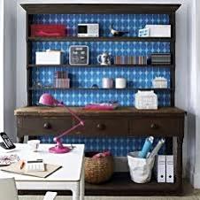 Add a pink task desk lampA