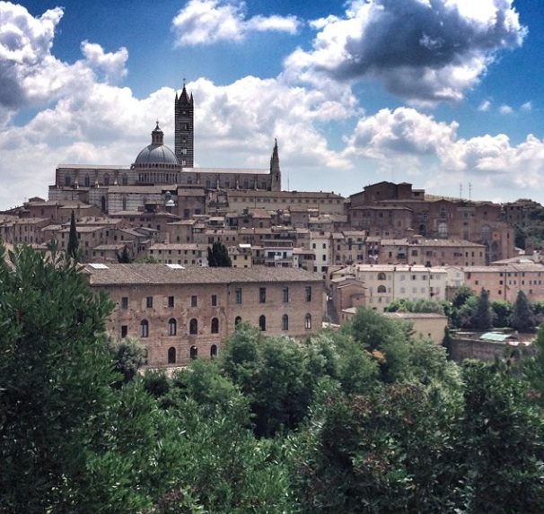 Approaching the centre of Siena