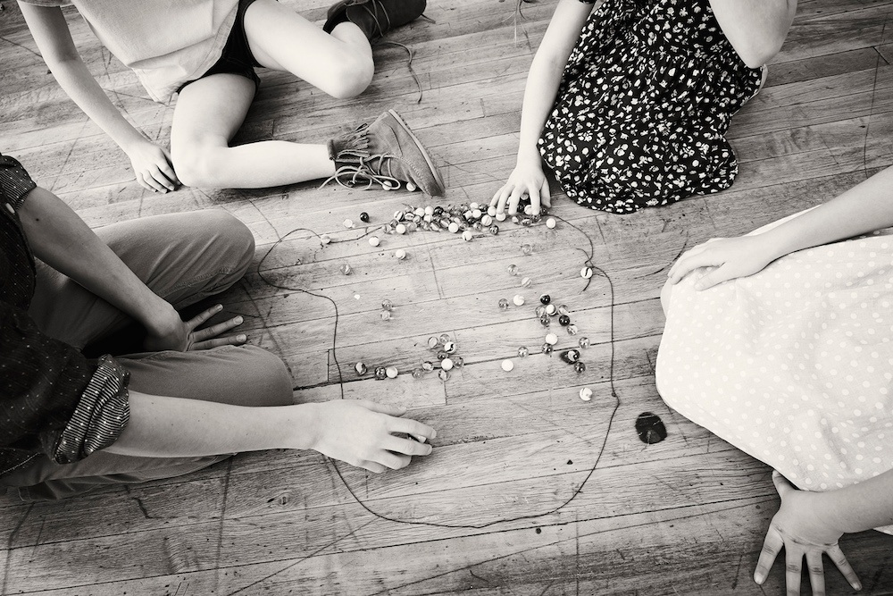 Playing-marbles-kids.jpg