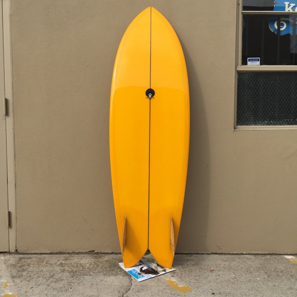 - The Keel Fish was originally designed in the late 60's/early 70's in southern California at Sunset Cliffs by Steve Lis. This is my version of a San Diego original. This model has a single concave with a 12