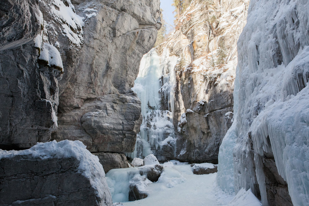 Winter in Maligne Canyon -