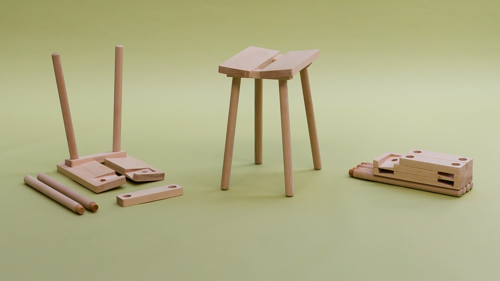 Screw-top leg stool