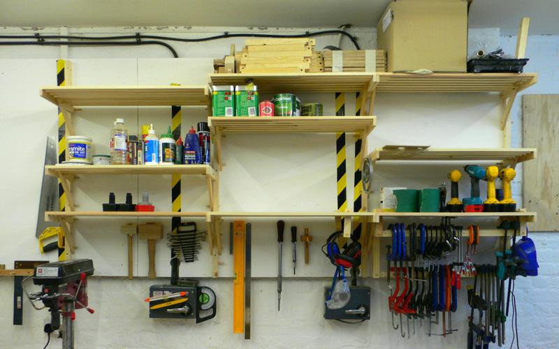 024_shelves_01.jpg