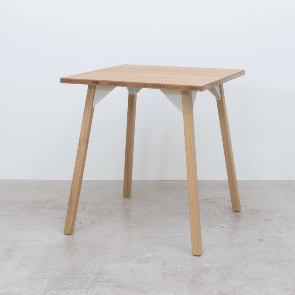 Bracket+table+square+3%2F4.jpg