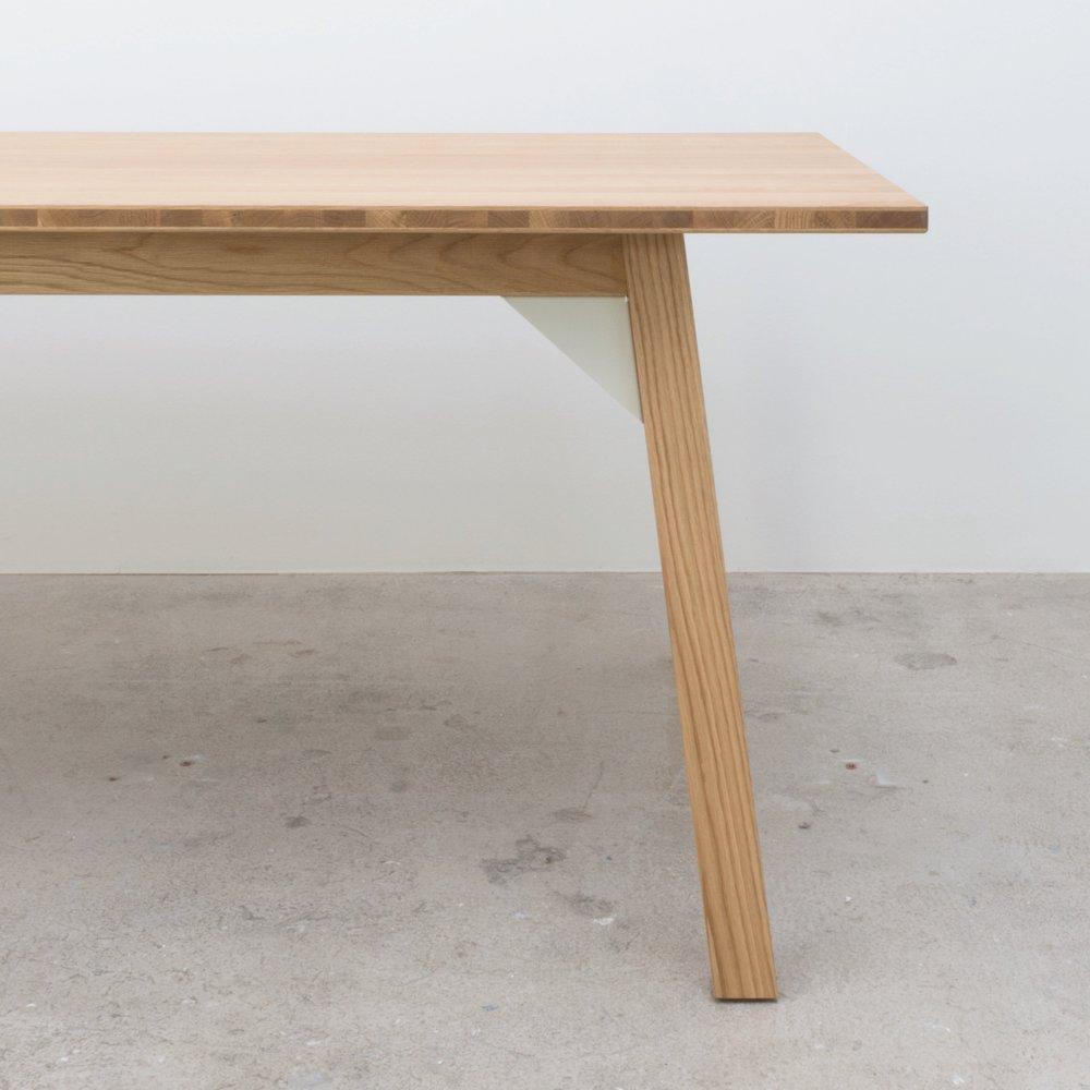 Bracket+table+detail.jpg