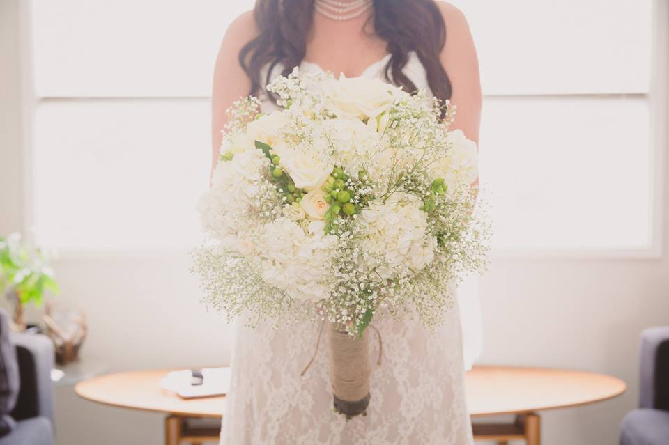 20140816_Kacey_and_brydon_white_bridal_bouquet.jpg