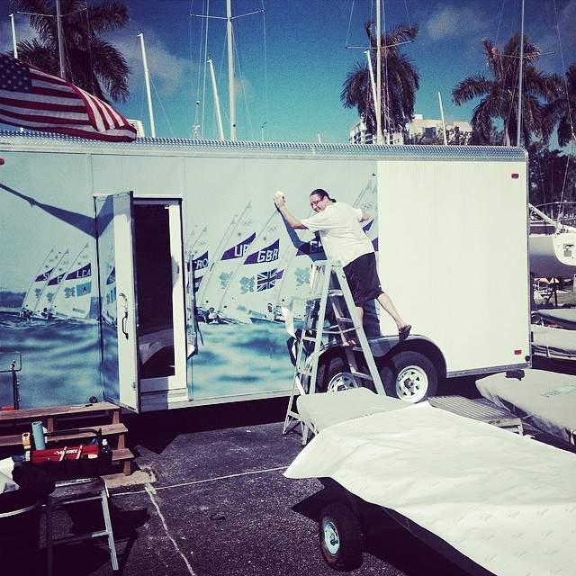 Dave @signmaxusa doing what he does best @justsailmiami #ussailingcenter #olympics #sailing #lasersailing #laserperformance #miami #coconutgrove #3m