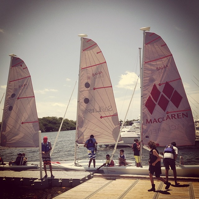 Saturday youth sailors ready to head out @justsailmiami on our #laserbahia #sailboats #sailing #sailingschool #lasersailing #laserperformance #miami #coconutgrove #ussailingcentermiami #ussailing