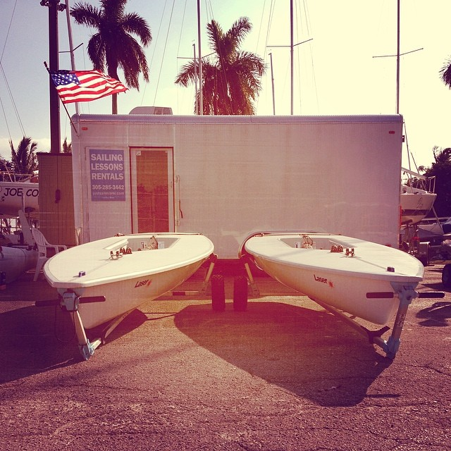 Race ready #lasersailboats @justsailmiami #ussailingcenter #coconutgrove #miami #ussailing #olympics #laserperformance #lasersailing #harken #ronstan #zhik #sailing #sailingschool #pro