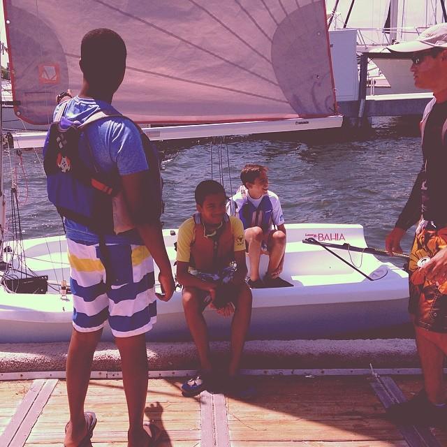 Youth sailors @justsailmiami #ussailingcentermiami #ussailing #laserbahia #laserperformance #lasersailing #sailboats #sailingschool #miami #coconutgrove #sailing #sports #summercamp