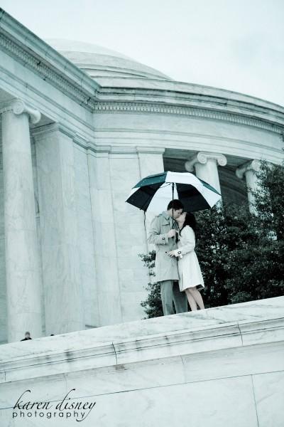 Jefferson Memorial engagement photo by Karen Disney