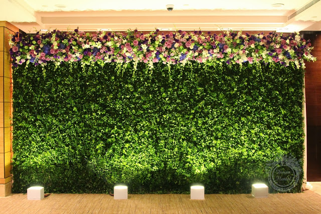 flower and greenery wall by divine floreal