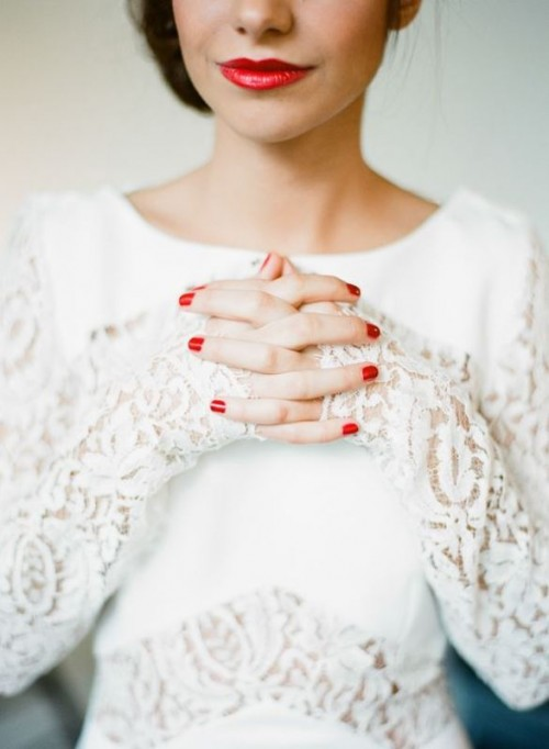 Red lips and nails. Photo by Greg Finck, Paris, France.