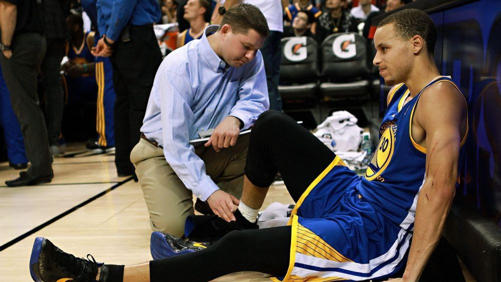 curry ankle.jpg