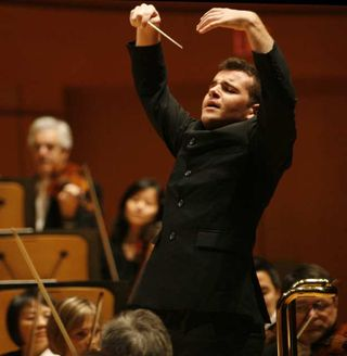Bringuier conducting.jpg