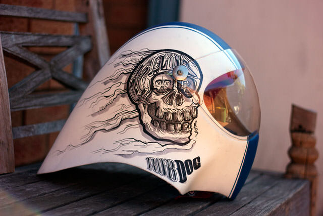 robdog-rob-mcwhinnie-cusotm-art-design-graphic-helmet-artwork-sydney-illustation-artist-sam-shennan-ud3-theud3-samshennan-dog-skull-cloud-speedstripe-stars-handpainted-hand-paint1.jpg