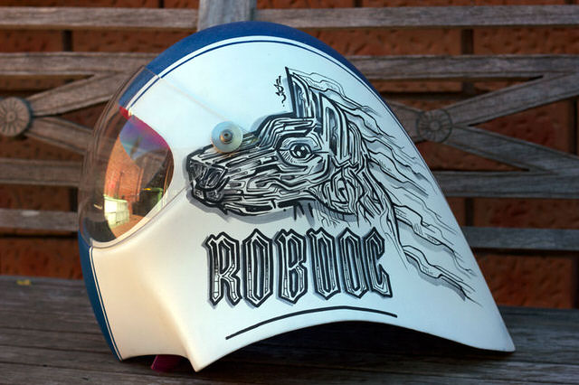 robdog-rob-mcwhinnie-cusotm-art-design-graphic-helmet-artwork-sydney-illustation-artist-sam-shennan-ud3-theud3-samshennan-dog-skull-cloud-speedstripe-stars-handpainted-hand-paint2.jpg