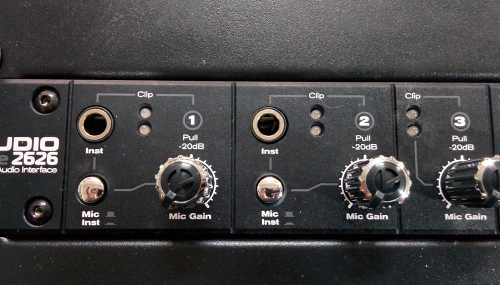 Instrument input switch (From Low-Z to Hi-Z), M Audio Profire 2626