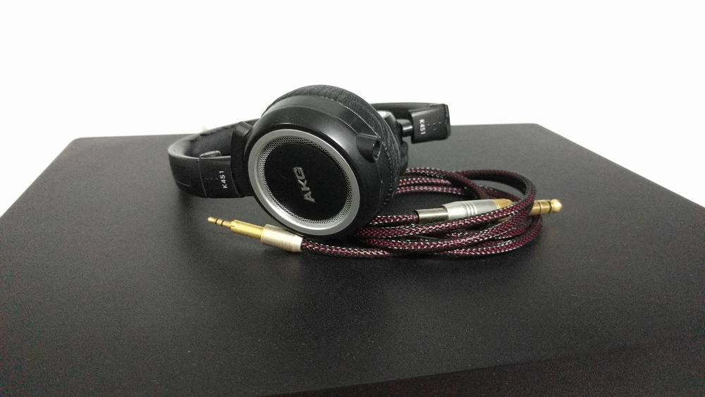 My 5 years old AKG K451 headphone would only last this long thanks to replaceable cables.