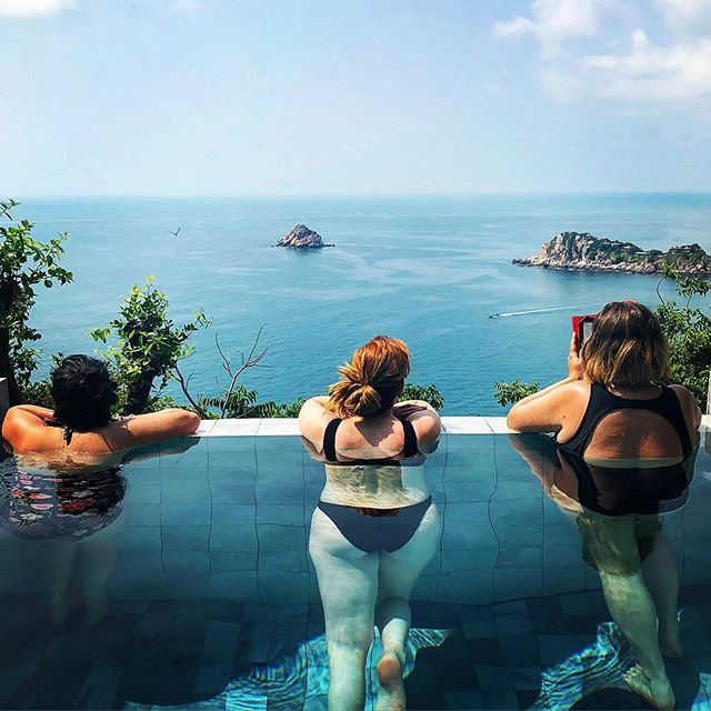 Not enough adjectives to describe how (insert adjective) this place is. I'm going to miss it a lot #thailand #kohtao #naturalbeauty #stunning #landscape #sea #infinity #infinitypool #pool #nature #travel #trip #iphonephotography
