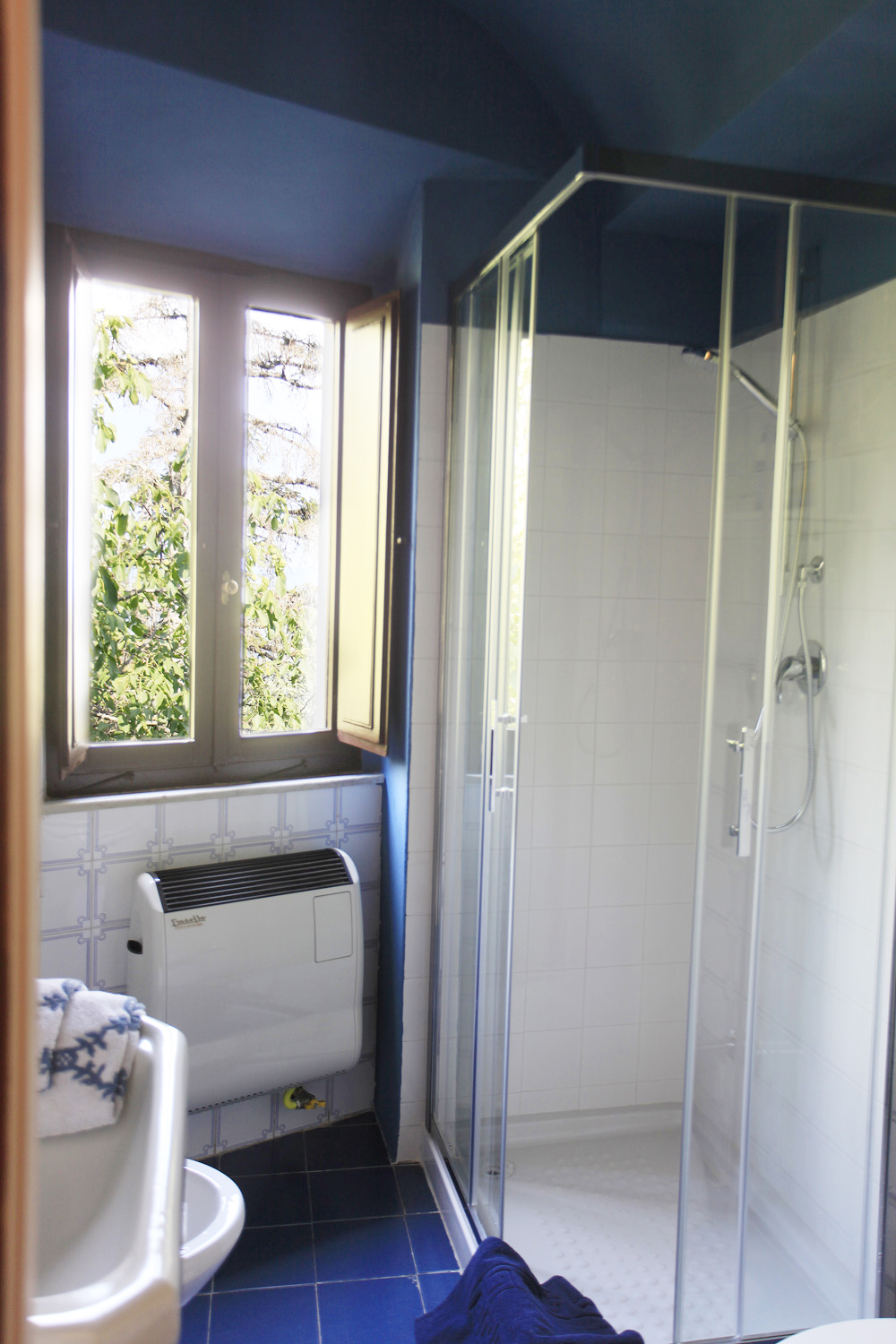 SHOWER ROOM, CASA DEL ENRICO