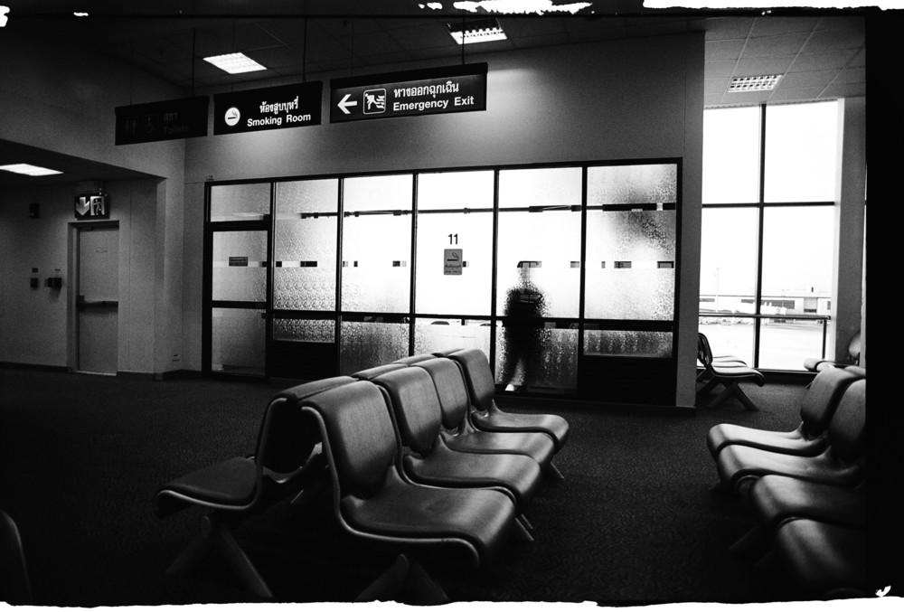 03airportb.jpg