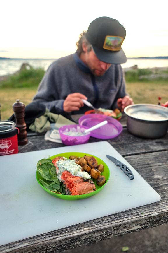Camping dinner by kaspar