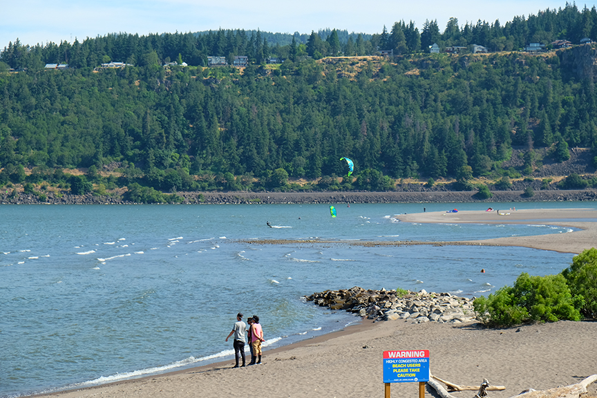 and know for some kiteboarding sessions at the Gorge in Hood River