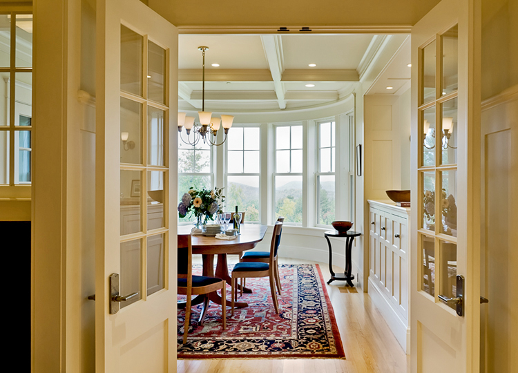 Doors-into-dining-room--copy.jpg