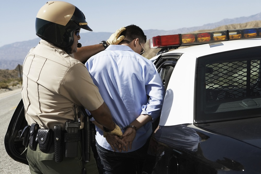Handcuffs_144637685.jpg